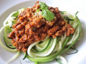 zucchini-spaghetti-mit-tofubolognese-2